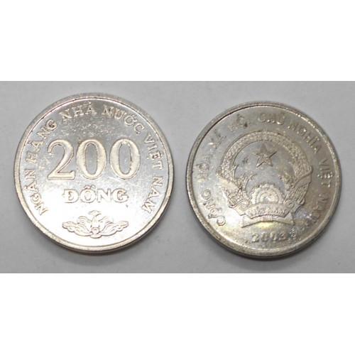VIET NAM 200 Dong 2003