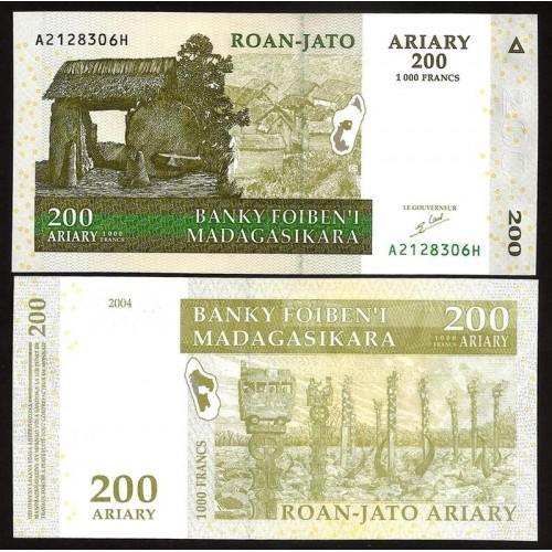 MADAGASCAR 200 Ariary 2004
